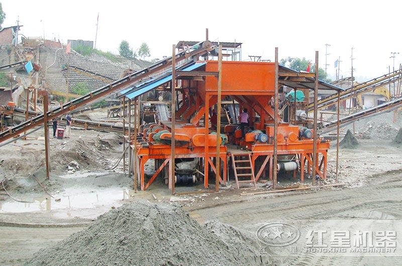 小型制砂机作业现场